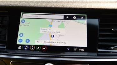 Vauxhall Insignia Grand Sport - sat-nav