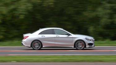 Mercedes CLA 45 AMG 2013 pan
