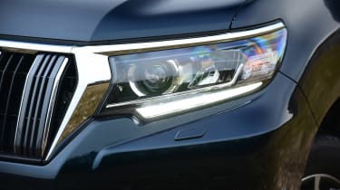 Toyota Land Cruiser - front light