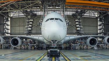 Porsche Cayenne pulls Airbus A380 - panning