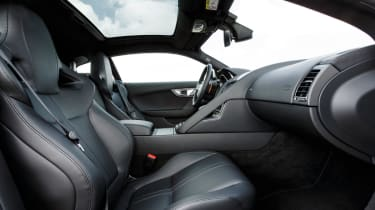 Jagaur F-Type Coupe 2014 seats