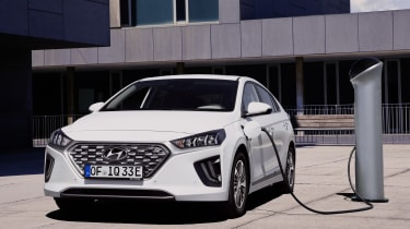 Hyundai Ioniq Plug-in - charging
