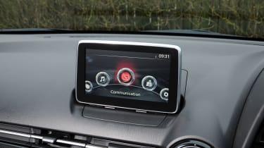 Mazda 2 - screen