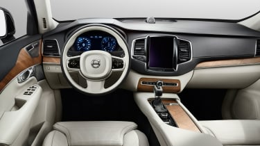 Volvo XC90 dash