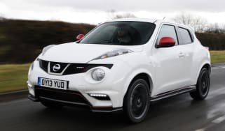 Nissan Juke Nismo 4WD front tracking