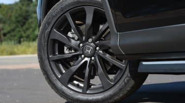 Honda CR-V Black Edition 2016 - wheel