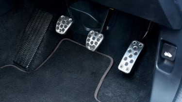 Honda Civic Type R - pedals