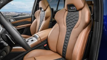 BMW X5 Competition - front seats