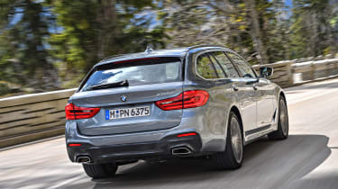 BMW 530d Touring - rear tracking