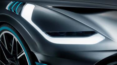 Bugatti Divo - front light