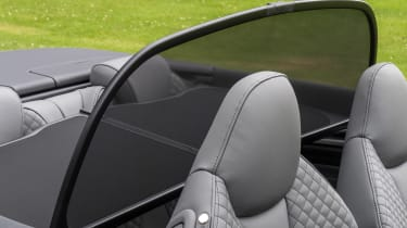 Audi A3 Cabriolet - wind shield