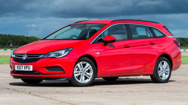 Vauxhall Astra Sports Tourer - front static