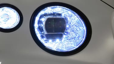 Bentley Continental GTC - studio front light