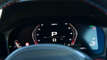 BMW M4 Competition - dials 2