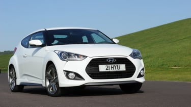 Hyundai Veloster Turbo front tracking