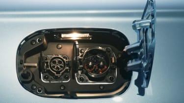 Mitsubishi Outlander PHEV 2014 port