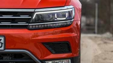 Volkswagen Tiguan 2016 - headlight