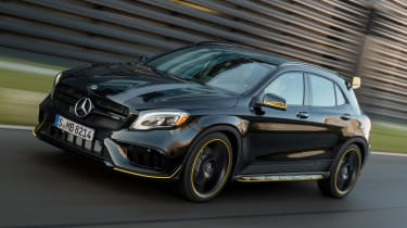 Mercedes-AMG GLA 45 Night Edition 2017 - front tracking