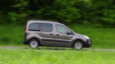 Peugeot Partner Tepee - side