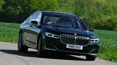 BMW 745Le xDrive - front action