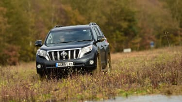 New Toyota Land Cruiser 2016 head on