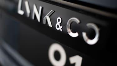 Lynk & Co 01 - badge