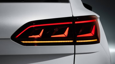 Volkswagen Touareg - rear light 4