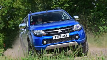 Mitsubishi L200 Barbarian SVP - off-road