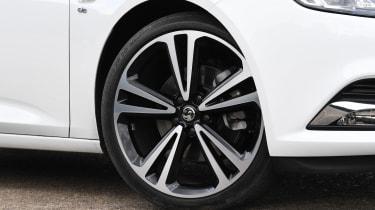 Vauxhall Insignia Grand Sport - wheel