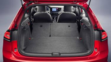 Volkswagen Taigo R-Line - boot seats down