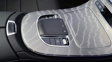 Mercedes E 300 e - centre console