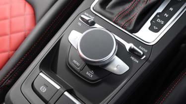 Audi SQ2 - Drive mode