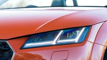 Audi TT Roadster - front light