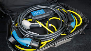 Range Rover Sport P400e - charging cable