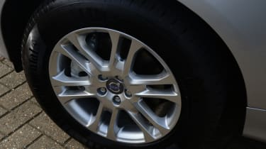 Volvo XC60 front wheel