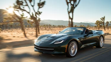 Chevrolet Corvette Stingray Convertible tracking