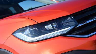 Volkswagen T-Cross Black Edition - front light