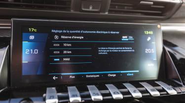 Peugeot 508 HYbrid prototype - infotainment