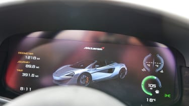 McLaren 600LT Spider - instruments