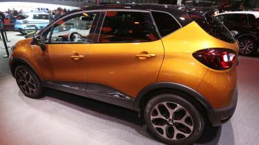 Facelifted Renault Captur Geneva - side orange