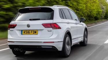 Volkswagen Tiguan R-Line 2016 - rear tracking