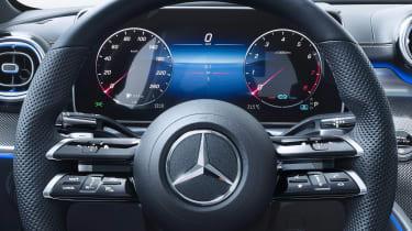 Mercedes C-Class - dials