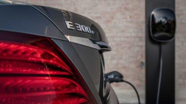 Mercedes E 300 e - charging