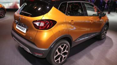 Facelifted Renault Captur Geneva - rear orange