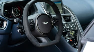 Aston Martin DB11 AMR - steering wheel