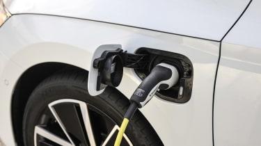 Skoda Octavia iV - charging