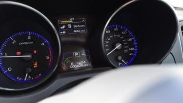 Used Subaru Outback - dials