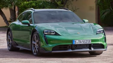 Porsche Taycan Cross Turismo - green front static