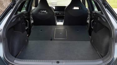 Cupra Formentor e-Hybrid - boot seats down