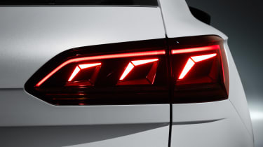 Volkswagen Touareg - rear light 2